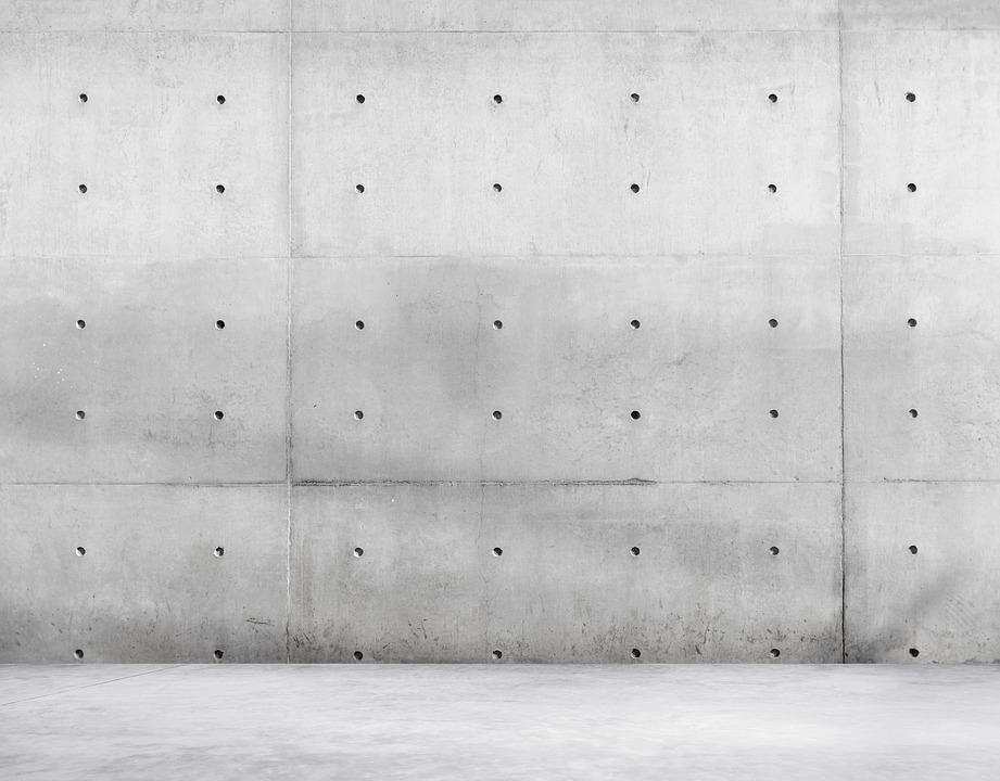 betonopodobne płytki stają się coraz modniejsze